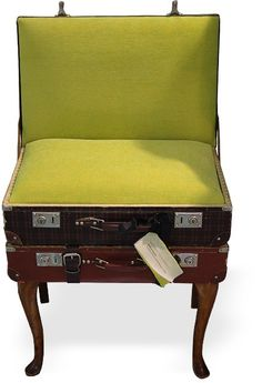 suitcase made using belts | DIY DAY- Recycled Vintage furniture
