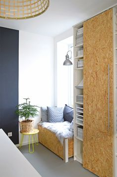The best Ikea hack ideas we've seen. These Ikea hacks are stylish and allow you to create designer furniture cheaply. Find ideas for your Ikea hack project. Ikea Billy Hack, Ikea Billy Bookcase Hack, Billy Bookcases, Ikea Shelves, Diy Furniture, Furniture Design, Hacks Ikea, Bookcase Styling, Best Ikea