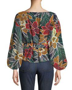 See an affordable & versatile assortment of feminine females' blouses. Blouse Styles, Blouse Designs, Club Monaco, Modest Fashion, Fashion Dresses, Blouse Batik, Style Casual, Blouse Vintage, Vintage Clothing
