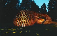 arquiteto alemão Matthias Loebermann, este pavilhão foi inteiramente erguido com os paletes reciclados