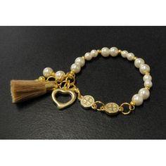 Pulsera de Moda con Perlas y Medallitas de San Benito