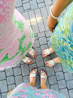 Don't forget your Lilly Pulitzer and Jack Rogers sandals, two timeless Palm Beach styles. Preppy Outfits, Cute Outfits, Preppy Wardrobe, Preppy Fashion, Pink Outfits, Summer Outfits, Preppy Southern, Southern Prep, Southern Charm