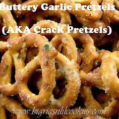 Buttery Garlic Ranch Pretzels (AKA Crack Pretzels) with Mini Pretzels, Oil, Hidden Valley Ranch Dip Mix, Garlic Powder. Chex Mix, Appetizer Recipes, Snack Recipes, Cooking Recipes, Ranch Dip, Ranch Pretzels, Seasoned Pretzels, Spicy Pretzels, Seasoned Crackers