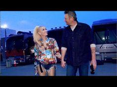 Blake Shelton Gwen Stefani, Blake Shelton And Gwen, Gwen Stefani And Blake, Garth Brooks Songs, Boys Round Here, Beste Songs, Gwen And Blake, Pop Songs, Live Music