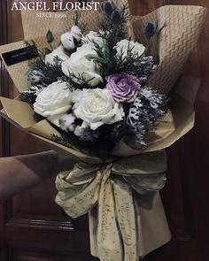#MerryChristmas #棉花树 #WhiteRose #白玫瑰 #Gossypium #圣诞气氛 #盒子花  #鲜花 #手花 #气球#Ballon  #BloomBoxes #FlowerBoxes #BloomBox #Handbouquet #JohorBahru #Johor #JohorJaya #Florist #小天使花屋 #AngelFloristGiftCentre #新山花店 #花店 #新山 #柔佛 #Wechat #WhatsApp 010-6608200
