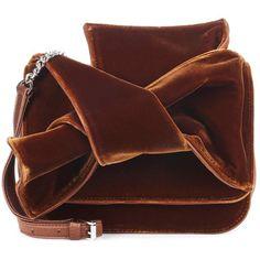N°21 Velvet Shoulder Bag (530,370 KRW) ❤ liked on Polyvore featuring bags, handbags, shoulder bags, brown, man bag, brown hand bags, velvet purse, brown handbags and velvet handbag