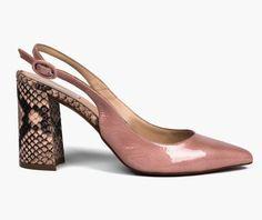 Propuesto por LidiaBarcelona 10 Walk In My Shoes, Fab Shoes, Dream Shoes, Me Too Shoes, Shoe Boots, Shoes Sandals, Estilo Fashion, Beautiful Shoes, Shoe Collection