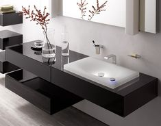 modernes badezimmer - lichteffekte am waschbecken von TOTO