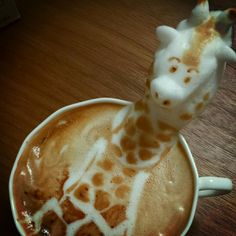 Incredible 3D latte art_giraffe