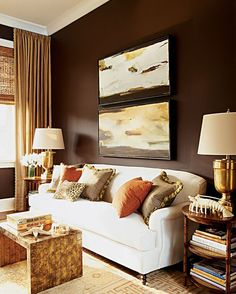 I K I - Elaine Griffin ... very nice layering, from paint colour to window treatment to the sofa and accessories