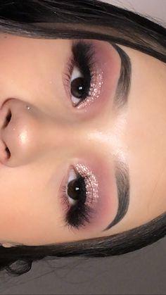 Rose Gold Makeup Looks, Gold Eyeshadow Looks, Gold Eye Makeup, Makeup Eye Looks, Nude Makeup, Gorgeous Makeup, Pretty Makeup, Beauty Makeup, Hair Makeup