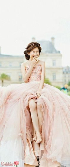 Who wants this pink dress? From the wedding dress to this bride Source by alishalerra dresses Elegant Dresses, Pretty Dresses, Quinceanera Dresses, Prom Dresses, Rosa Rock, Pink Dress, Dress Up, Pink Gowns, Dress Skirt