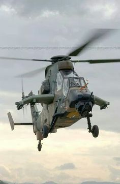 Helicopter Plane, Military Helicopter, Military Aircraft, Combat Gear, Flying Birds, Chopper, Airplanes, Fighter Jets, Aviation