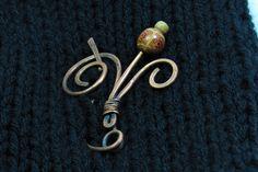CopperJEWEL oxidized copper wire, poppy-shaped brooch.