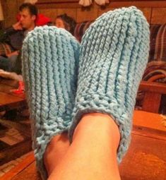 Free Adult Chunky Slipper Crochet Pattern from Crochet by Jennifer