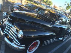 What a classic!!! #supercarsunday #american #americanclassic #classicsofinstagram #classiccar #gearhead #losangeles #california #carsandcoffee