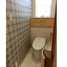 家族の、バス/トイレ/ムーミン/マリメッコ 壁紙/北欧/ダーラナホース/マリメッコについてのインテリア実例。 「プケッティの壁紙、素...」 (2017-10-25 11:35:20に共有されました) Toilet, Bathroom, Home, Washroom, Flush Toilet, Full Bath, Ad Home, Toilets, Homes
