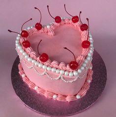 Pretty Birthday Cakes, Pretty Cakes, Cake Birthday, Tumblr Birthday Cake, Funny Birthday Cakes, Birthday Cake Decorating, Birthday Month, Cute Desserts, Just Cakes