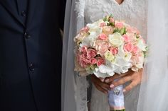 A sweet bouquet with hydrangea, roses and bouvardia.