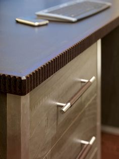 edge detail great Study furniture detail - Stephen Clasper Interiors