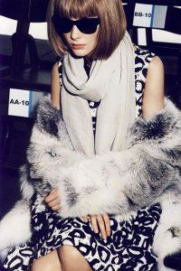 """Im in love with this fur coat. """"L'Icone"""" Snejana Onopka as Anna Wintour by Mario Testino for Vogue Paris Mario Testino, Vogue Paris, Haute Couture Style, Botines Peep Toe, L Icon, Anna Wintour Style, Mode Editorials, Hollywood, High Fashion"""