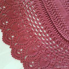 tapete-milagre-10 Crochet Mat, Crochet Doilies, A Hook, Irish Crochet, Floor Rugs, Unique Gifts, Crochet Patterns, Elsa, Blanket