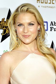 Charming seductress Ali Larter ...Magnificent Hairstyles...