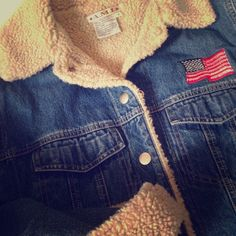 Favorite Vintage Jean Jacket!  Team USA I Love This Jacket❤️!! Timeless Denim Jacket. So warm with full fleece lining and quilted inside sleeves. Snap closure front and cuffs. Embroidered American flag in front and back. Perfect condition...❤️ Boutique Jeans