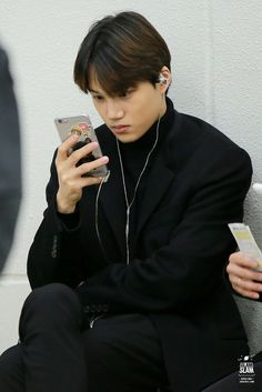 "Kai...wait....he has Luffy's and chopper's sticker on his phone..kay no..NO NOOOOOOOO......why Kim Jongin...why why why... Now the amount of love I have for you increased knowing you like One piece too :'''((( idk to cry or laugh ;"")))"