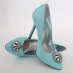 oh yes, even your shoes can be Tiffany blue