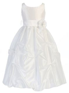 e79a6a9077f6 44 Best Girls in white dresses images