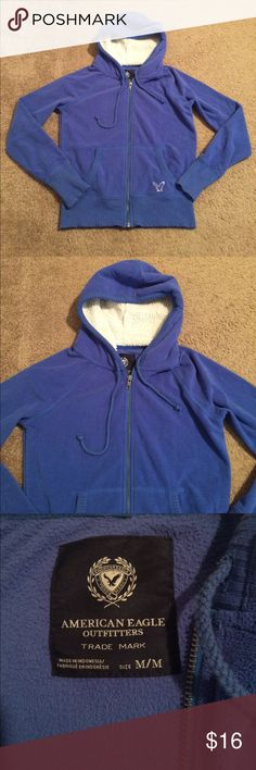 """$13 aeo euc blue fleece hooded jacket Euc! ✔The price in the beginning of the title of my listings is the bundle price. These prices are valid through the """"make an offer"""" feature after you create a bundle. These bundle orders must be over $15. Ask me about more details if interested.  ❌No trades ❌No holds American Eagle Outfitters Jackets & Coats"""