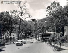 Plaza Madariaga, El Paraiso (1950) #Caracas #Venezuela