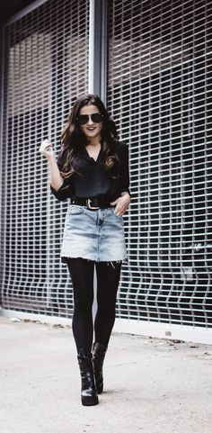 Party Outfit Ideas Winter Black Tights 20 Ideas For 2019 Denim Skirt Winter, Mini Skirt Outfit Winter, Black Denim Skirt Outfit, Denim Skirt Outfits, Denim Mini Skirt, Mini Skirts, Denim Skirt Tights, Chic Outfits, Jeans Dress