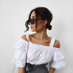 "9,532 likerklikk, 64 kommentarer – Alicia Roddy (@lissyroddyy) på Instagram: ""Monochrome look in this @missyempire frilled top - link to it in my bio now."""