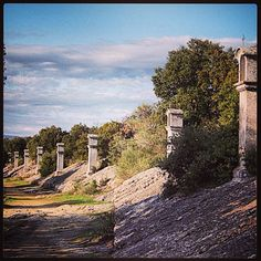 Sur le chemin vers Compostelle et Rome! Le Chemin des Evêques à Lurs #lurs alpesdehauteprovence #france #spiritualité #recueillement #calme #respiration
