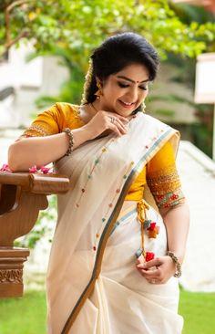 Chudidhar Neck Designs, Blouse Neck Designs, Indian Fancy Dress, Blouse Neck Patterns, Stylish Blouse Design, Saree Shopping, Stylish Girls Photos, Online Shopping For Women, Beautiful Indian Actress