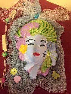 Maschera in gesso dipinta E 8 Seguici anche su fb