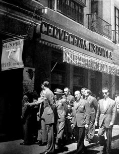 Brassai, Broadway Shows, Spain, Black And White, Photography, Sevilla, Antique Photos, Street, Cities