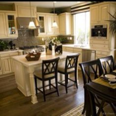 The exact colors I want in my kitchen (heck most of the house even)..with wide plank darker wood floors :)