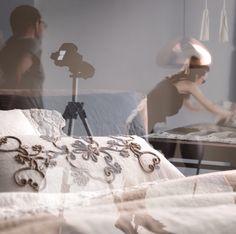 Punto Immagine sul set | REMIX | #backstage #stilllife #fotografi #foto #pics #lafabbricadelino #rubiera #amazing #set #staytuned #adv