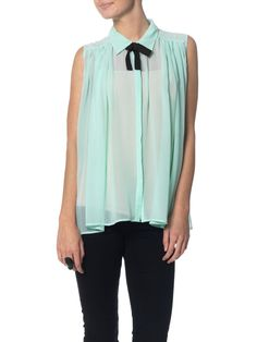 Don't know if I'd ever wear anything like this but it looks cute online!