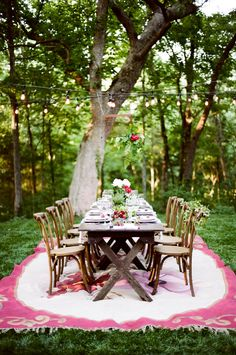Red wine, European wedding inspiration on Grey Likes Weddings!