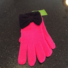 NWT Kate Spade Gloves. Pink knit with a black bow. 70% acrylic 30% wool. Dry clean. kate spade Accessories Gloves & Mittens