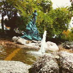 Bevor demnächst alle #Brunnen in #Karlsruhe winterfest gemacht werden hier noch mal ein #Bild vom Nympfenbrunnen. #visitbawu #visitkarlsruhe #bwjetzt #water #travel #fountain #stone #statue #visitgermany #badenwürttemberg