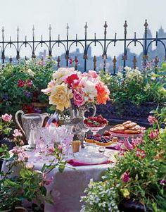 Google Image Result for http://queenhomedesign.com/wp-content/uploads/2012/05/Garden-Party-Decoration-Ideas-3.jpg