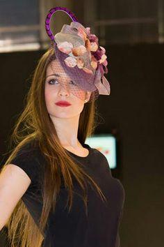 Crown, Fashion, Velvet, Pom Poms, Neckline, Headpieces, Corona, Moda, La Mode