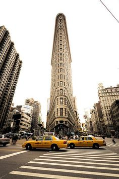 Great shot of the Flatiron Bldg