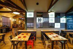 Brasería en la que hemos colaborado con nuestro mobiliario de estilo industrial en Portugal.