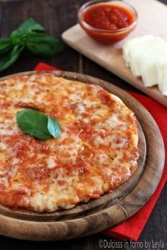 Piadipizza o Piadizza: la pizza piadina veloce - Dulcisss in forno by Leyla Sandwiches, Tortillas, Biscotti, Nutella, Nachos, Quesadillas, Veggie Side Dishes, Brunch, 30 Minute Meals